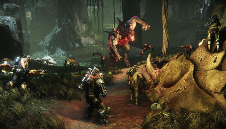 Подписчики Xbox Live Gold бесплатно получат игру бродилку Layers of Fear и шутер Evolve