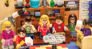 Лего Бэтмен занял место Шелдона в «Теории большого взрыва»