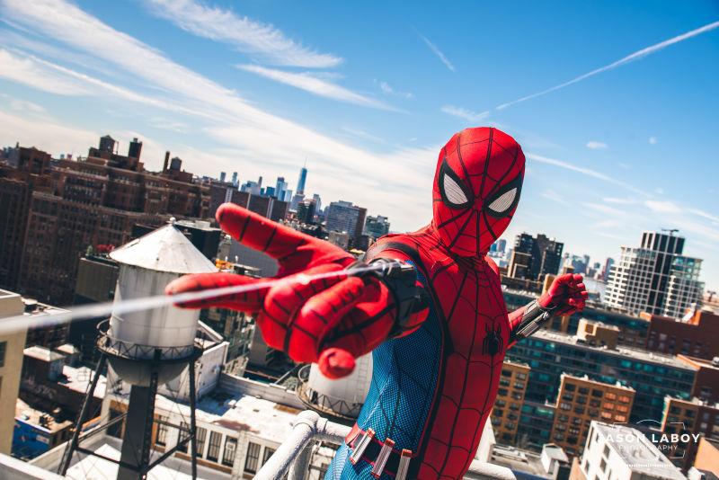 Photo of Дружелюбно-соседский косплей дня: Человек-паук из«Возвращения домой»