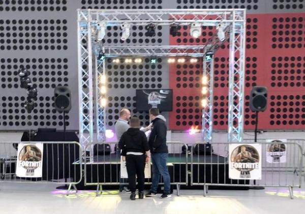 В Англии прошёл неофициальный фестиваль по Fortnite. Теперь Epic Games подаёт на его организаторов в суд4