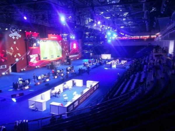 На турнир по FIFA 19 пришло около 10 человек. Власти Москвы выделили на него почти 40 миллионов рублей0