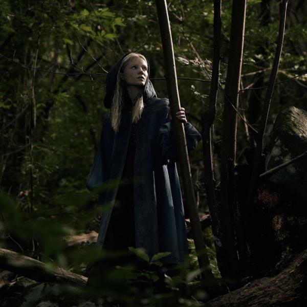«Ведьмак» от Netflix: официальный постер и первый взгляд на Йеннифэр и Цири5